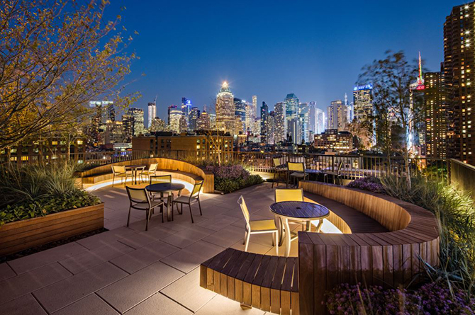 A hell s kitchen stunner new york lifestyles magazine for Hell s kitchen nyc apartments